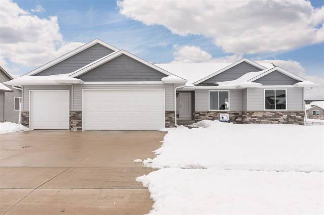 3755 Faulkner Ave, Marion, IA 52302 (MLS #202001164) :: The Johnson Team