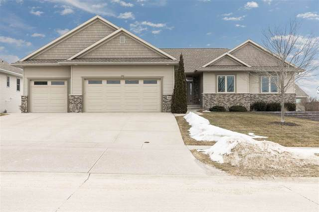1610 Hunters Field Ln, Marion, IA 52302 (MLS #202001418) :: The Johnson Team