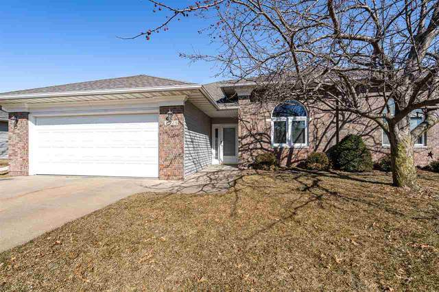 1524 Somerset Ln, Iowa City, IA 52240 (MLS #202001790) :: The Johnson Team