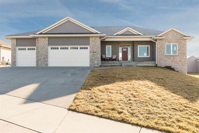 2040 Stone Creek Circle, North Liberty, IA 52317 (MLS #202001940) :: Lepic Elite Home Team