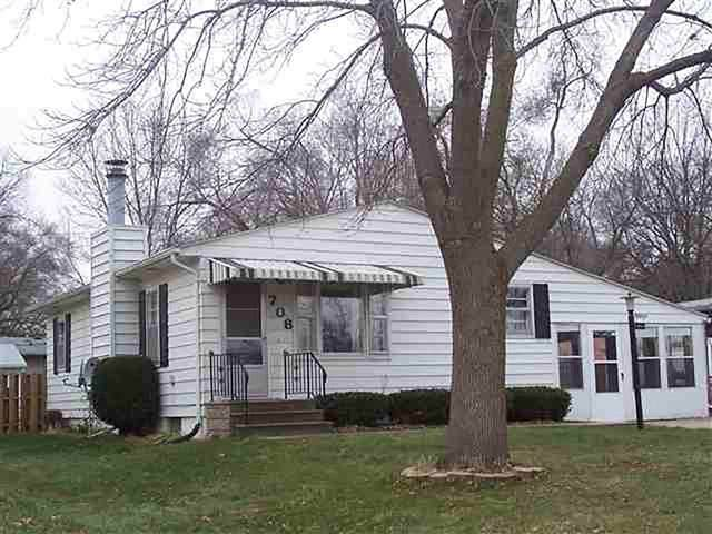 708 5th Ave., Coralville, IA 52241 (MLS #202001943) :: The Johnson Team