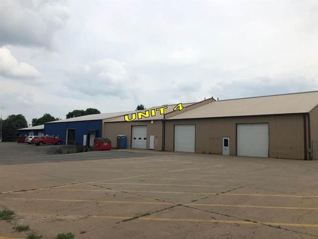 1300 Stoney Point Rd Sw #4, Cedar Rapids, IA 52404 (MLS #202001991) :: The Johnson Team