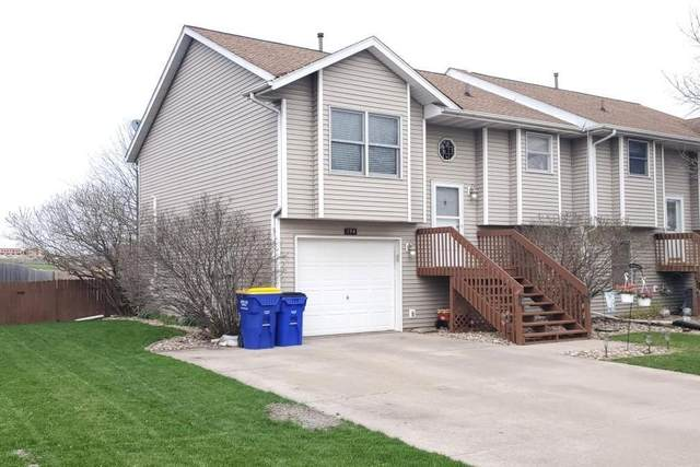 194 Stephans St, Tiffin, IA 52340 (MLS #202002736) :: The Johnson Team