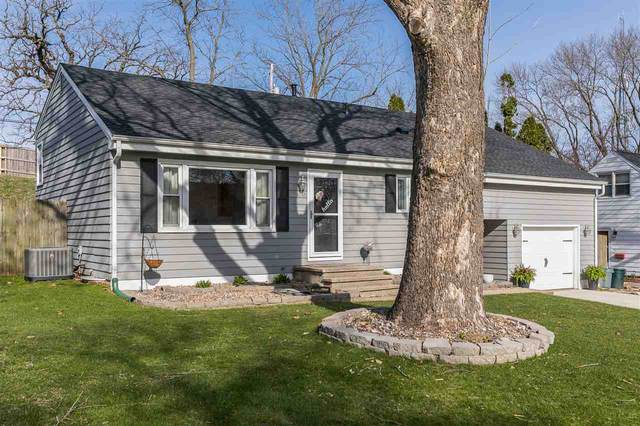 330 Ridge Dr, Marion, IA 52302 (MLS #202002781) :: The Johnson Team
