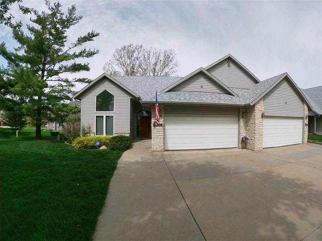 1700 Country Club Dr, Coralville, IA 52241 (MLS #202002938) :: Lepic Elite Home Team