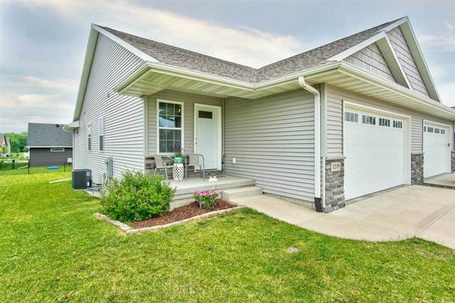1239 Redbud Ave, Tiffin, IA 52340 (MLS #202003580) :: The Johnson Team