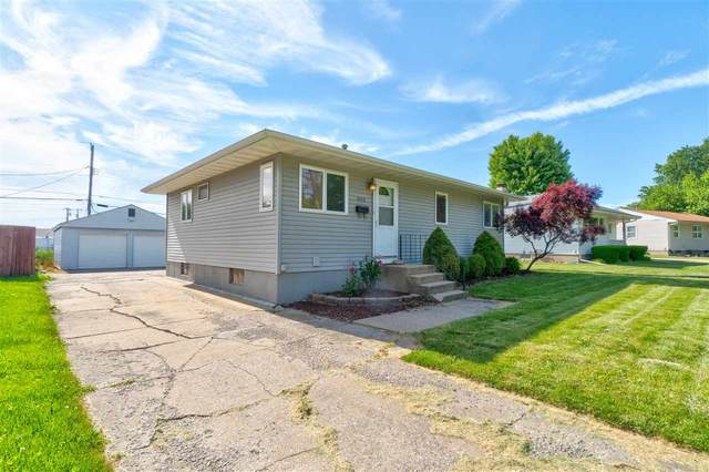 606 Keokuk Ct, Iowa City, IA 52240 (MLS #202003766) :: Lepic Elite Home Team