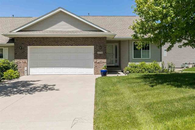 2238 E Grantview Dr, Coralville, IA 52241 (MLS #202003931) :: The Johnson Team