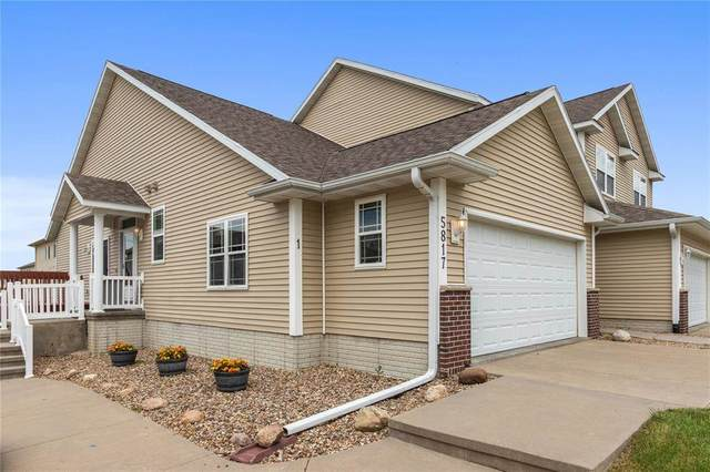 5817 Muirfield Dr Sw #1, Cedar Rapids, IA 52404 (MLS #202004038) :: The Johnson Team