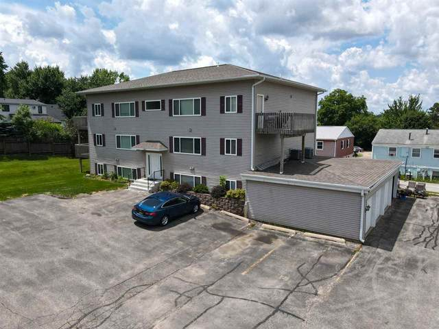 3107 Johnson Ave Nw #4, Cedar Rapids, IA 52405 (MLS #202004047) :: The Johnson Team