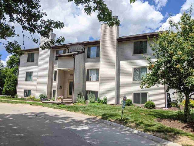 942 23rd Ave #1, Coralville, IA 52241 (MLS #202004058) :: The Johnson Team