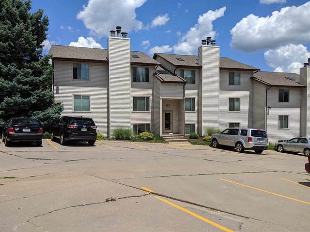 948 23rd Ave #1, Coralville, IA 52241 (MLS #202004060) :: The Johnson Team