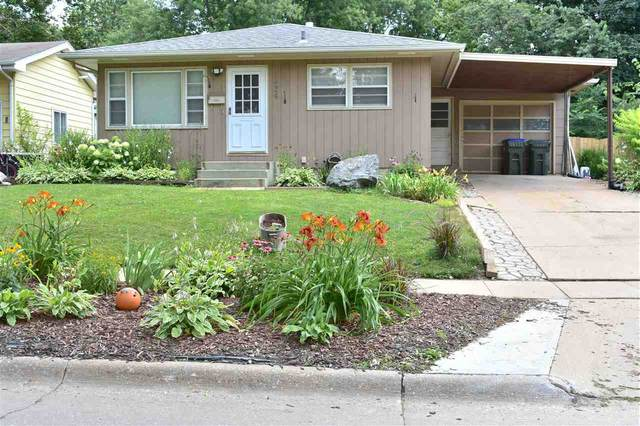 1624 Ridge St., Iowa City, IA 52240 (MLS #202004502) :: Lepic Elite Home Team