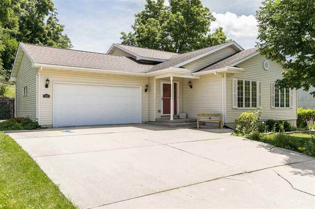 111 Scott Dr, West Branch, IA 52358 (MLS #202004586) :: Lepic Elite Home Team