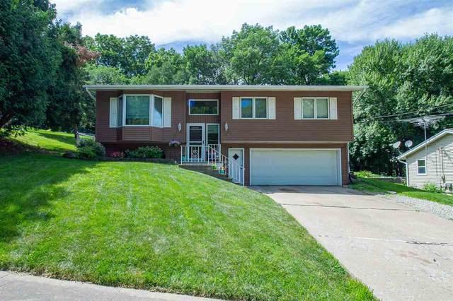 1338 Highwood Dr Nw, Cedar Rapids, IA 52405 (MLS #202004611) :: Lepic Elite Home Team