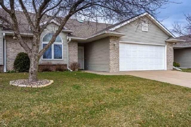 15 Somerset Pl, Iowa City, IA 52240 (MLS #202004621) :: Lepic Elite Home Team