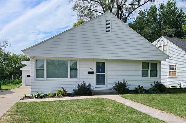 927 Rider St, Iowa City, IA 52246 (MLS #202005119) :: Lepic Elite Home Team