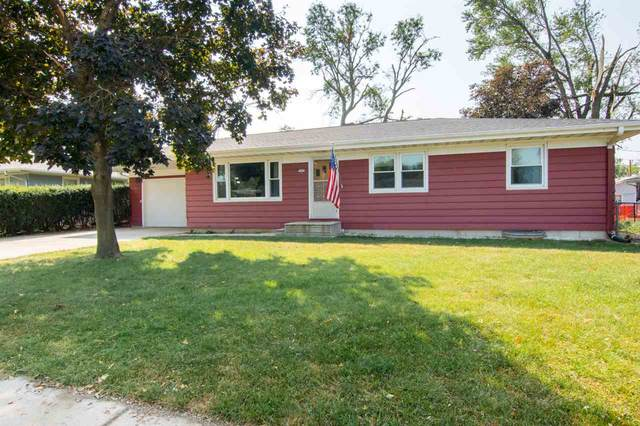 1655 Country Club Dr, Marion, IA 52302 (MLS #202005261) :: The Johnson Team