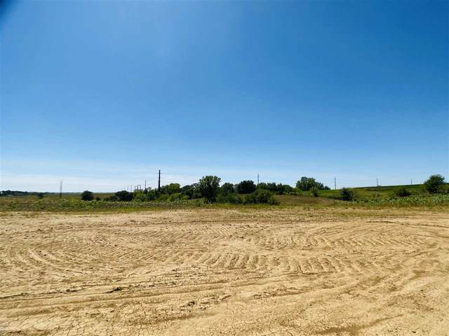 Lot 15 Fox Drive, Williamsburg, IA 52361 (MLS #202005419) :: Lepic Elite Home Team