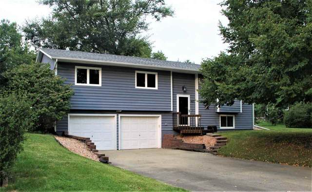 627 Holiday Rd, Coralville, IA 52241 (MLS #202005673) :: The Johnson Team