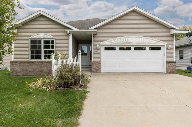 1611 Wetherby Dr, Iowa City, IA 52240 (MLS #202005900) :: Lepic Elite Home Team