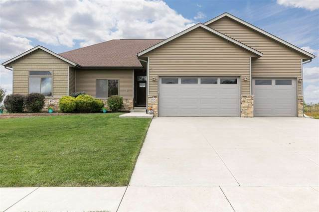 2424 Dempster Dr, Coralville, IA 52241 (MLS #202005903) :: Lepic Elite Home Team
