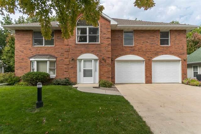 925 Longfellow Place, Iowa City, IA 52240 (MLS #202006067) :: Lepic Elite Home Team