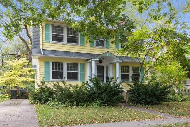 422 Grant St, Iowa City, IA 52240 (MLS #202006424) :: Lepic Elite Home Team