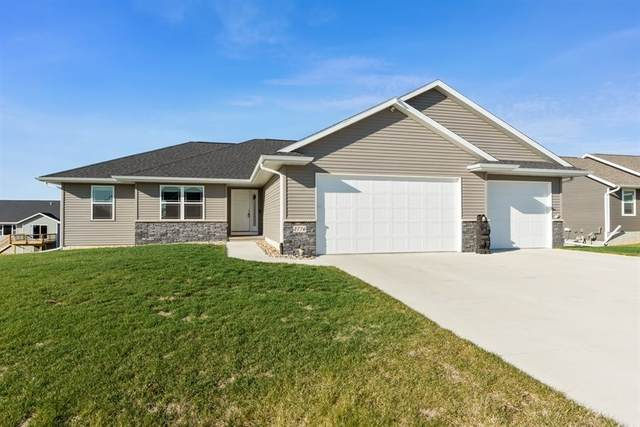 2776 Ridgeview Dr, Palo, IA 52324 (MLS #202006759) :: Lepic Elite Home Team