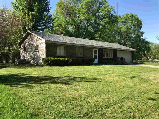 813 Eastmoor Dr, Iowa City, IA 52246 (MLS #202006775) :: Lepic Elite Home Team