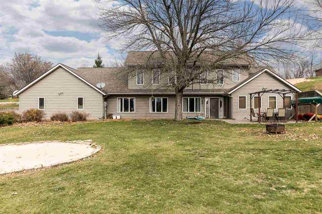 1646 Camelback Road Ne, Solon, IA 52333 (MLS #202006782) :: Lepic Elite Home Team