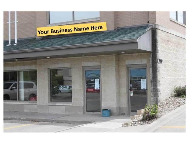 960 S 1st Ave, Iowa City, IA 52245 (MLS #202006784) :: Lepic Elite Home Team