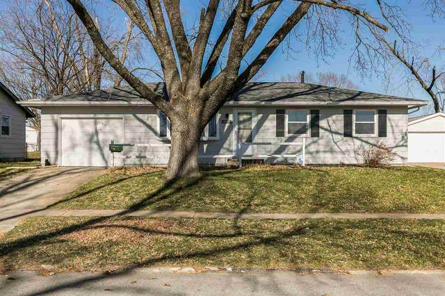 1000 W 9th Ave, Marion, IA 52302 (MLS #202006799) :: Lepic Elite Home Team