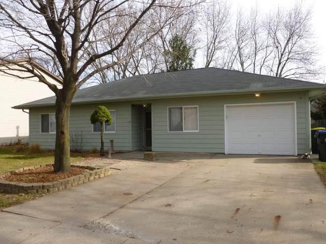 1820 Sterling Ct, Iowa City, IA 52240 (MLS #202006820) :: Lepic Elite Home Team