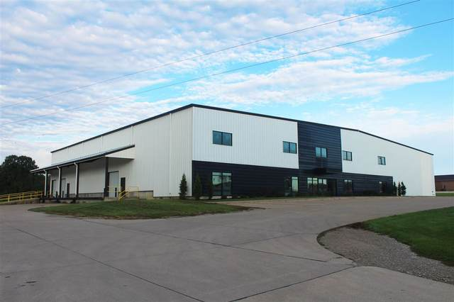 3500 Park Ave W, Muscatine, IA 52761 (MLS #202006877) :: Lepic Elite Home Team