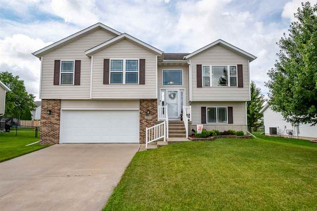 1029 Cory Ct, North Liberty, IA 52317 (MLS #202100203) :: Lepic Elite Home Team