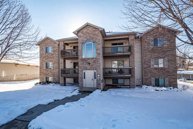 2880 Coral Ct #101, Coralville, IA 52241 (MLS #202100353) :: The Johnson Team