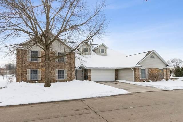 2355 Willowbrooke Ln, Iowa City, IA 52246 (MLS #202100367) :: Lepic Elite Home Team