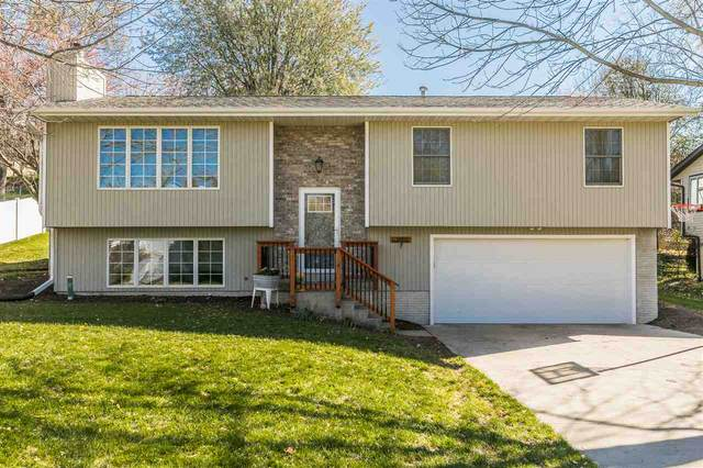 2001 Springdale Ct, Coralville, IA 52241 (MLS #202100448) :: The Johnson Team