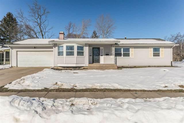 1204 Edingale Dr, Iowa City, IA 52246 (MLS #202100509) :: The Johnson Team