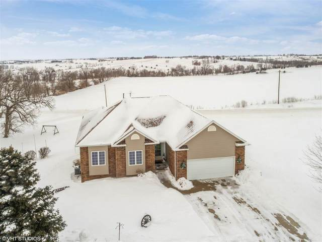 4010 Will Ct Sw, Oxford, IA 52322 (MLS #202101008) :: Lepic Elite Home Team