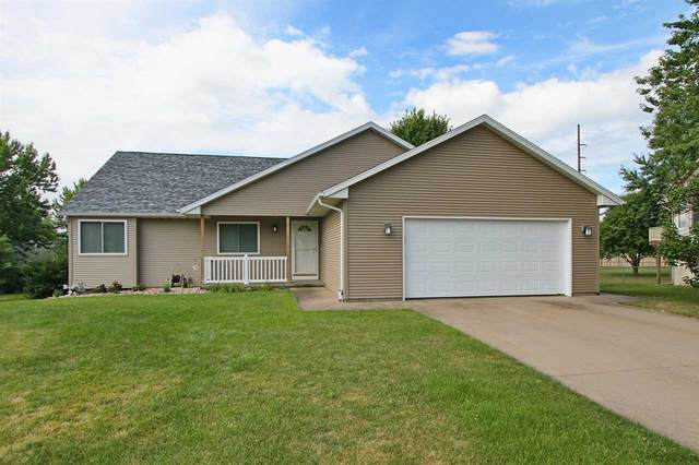 2203 Palmer Circle, Iowa City, IA 52240 (MLS #202101188) :: The Johnson Team