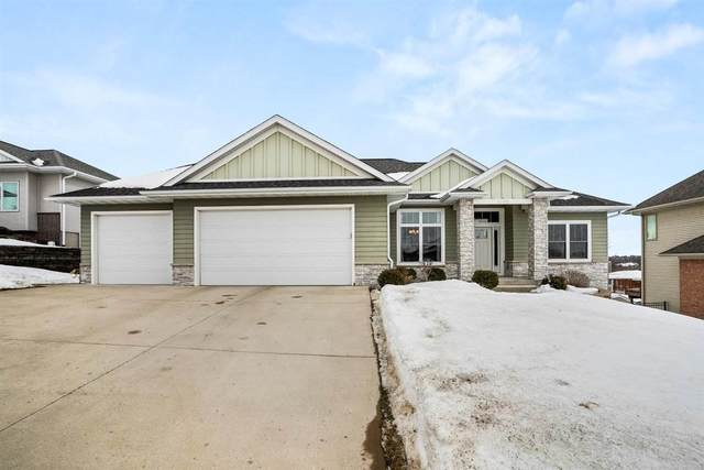 1040 Meadowlark Dr, Iowa City, IA 52246 (MLS #202101191) :: The Johnson Team