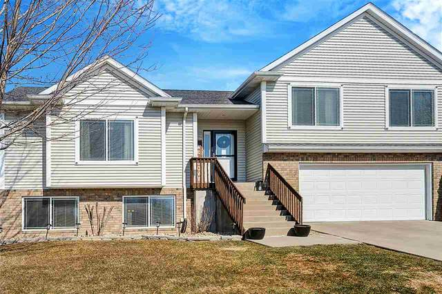 230 Lockview Ave, North Liberty, IA 52317 (MLS #202101447) :: The Johnson Team