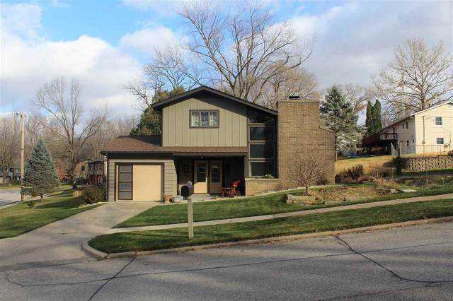 210 Windsor Dr., Iowa City, IA 52245 (MLS #202101530) :: The Johnson Team