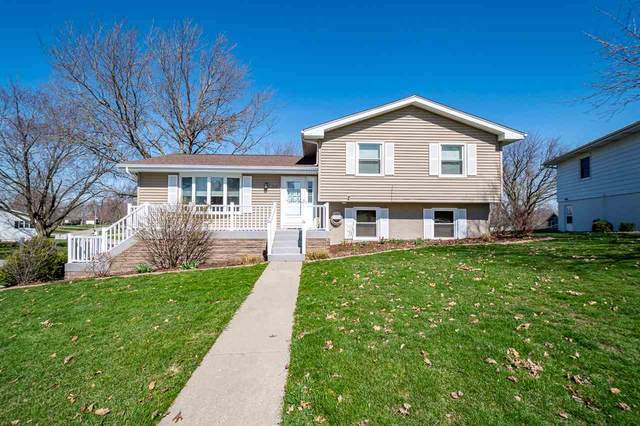 1210 W. State St., Williamsburg, IA 52361 (MLS #202101857) :: The Johnson Team