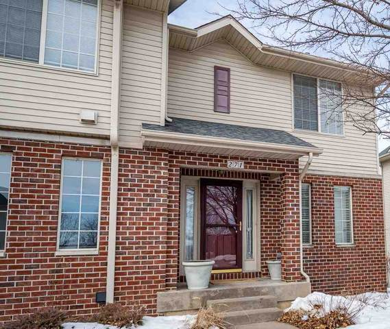 271 Camden Rd, Iowa City, IA 52245 (MLS #202101968) :: Lepic Elite Home Team