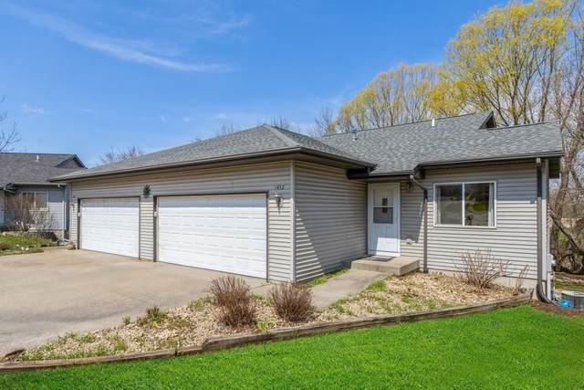 1432 Denali Ct, Coralville, IA 52241 (MLS #202102029) :: Lepic Elite Home Team