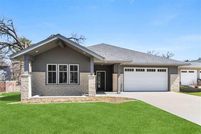 228 Lexington Ave, Iowa City, IA 52246 (MLS #202102125) :: Lepic Elite Home Team
