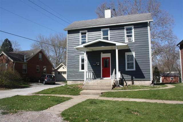 317 N Lucas St, Iowa City, IA 52245 (MLS #202102136) :: The Johnson Team